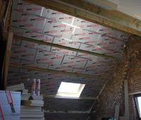 Na-isolatie van hellend dak met PIR-platen